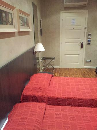 Century Hotel : Standard room