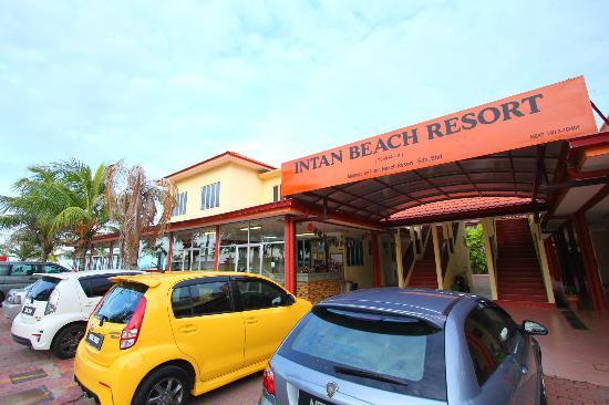 Intan Beach Resort Sdn Bhd: main entrance