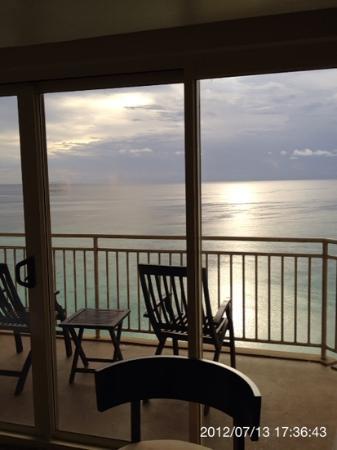 Outrigger Guam Resort: 眺望重視ならオーシャンフロント