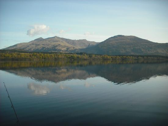 Ardbrecknish House & Self Catering Accommodation: View of Loch