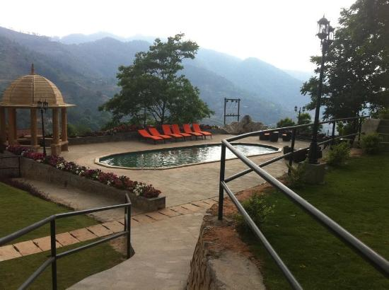 Hilltake Health Spa & Resort: Swimming Pool (Hot/Cold)