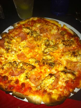 Mayan Bistro: ham,chicken, and corn pizza