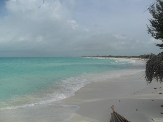 Playa Paraiso hacia la derecha (a lo lejos Playa Sirena)