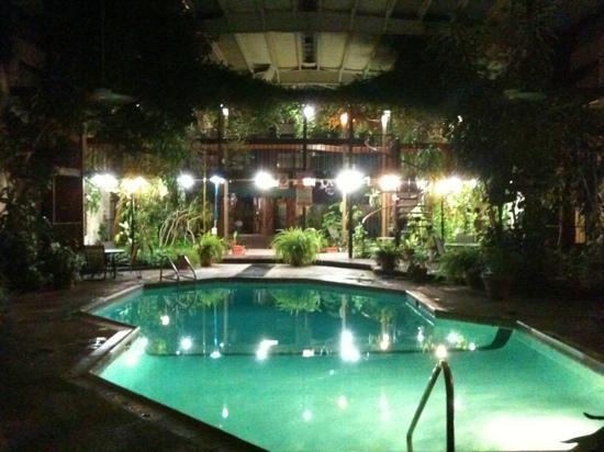 Super 8 Ozona: Pool Area at Night