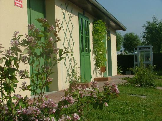 Flower Camping Les Aubepines : sanitaires