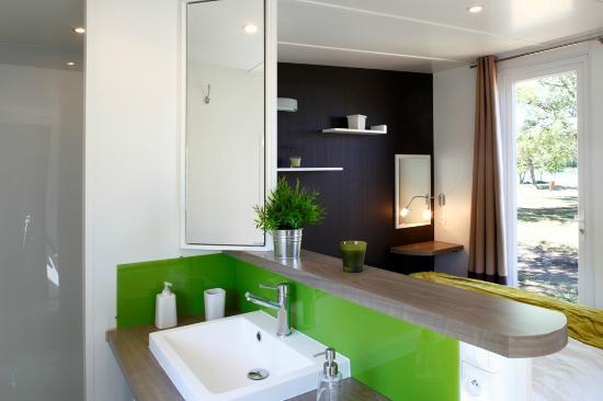 Flower Camping Les Aubepines : residence design