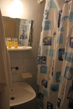 Nacional Hotel: bathroom