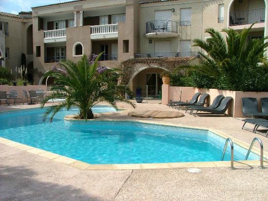 Residence Caesar Domus: Piscine (appartement)