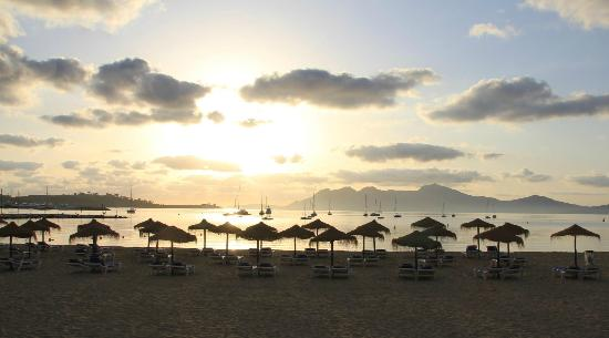 Hotel Panorama: Puerto Pollensa Beach EarlyMorning