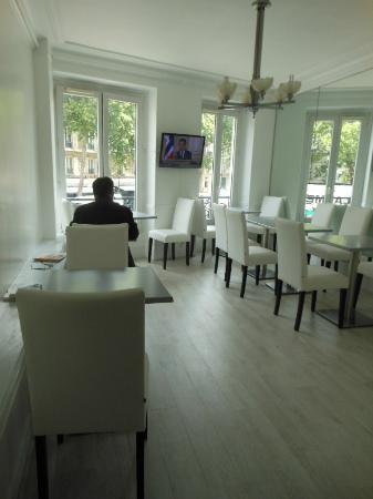 Hotel de Prony : The Breakfast Room