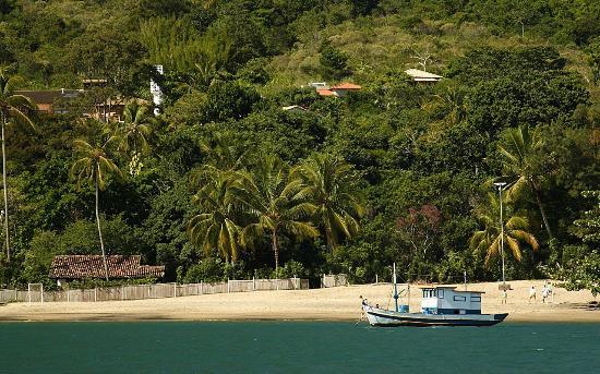 Ilhasol Hotel Pousada : Barco de pesca