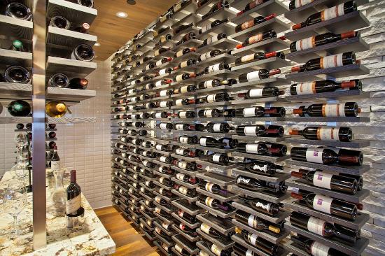 Cape Rey Carlsbad, a Hilton Resort: Chandler's Wine Room