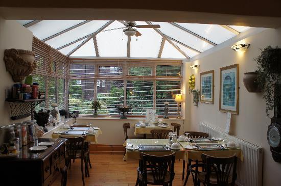Ascott Hotel: Dining room