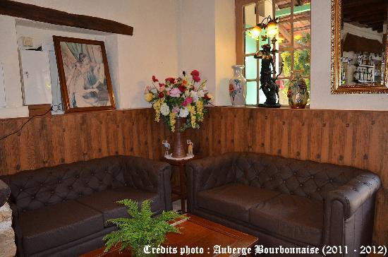 Auberge Bourbonnaise: Le Salon de la réception
