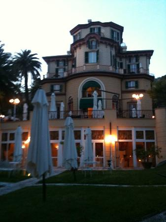 Romantic Hotel Villa Pagoda: Villa Pagoda - vue jardin