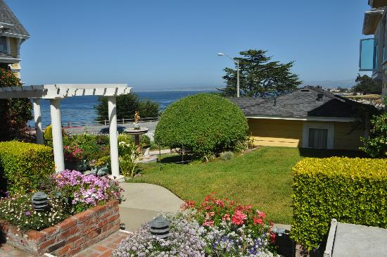 Seven Gables Inn: View from Jewel Cottage