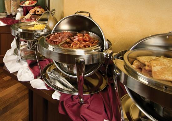 The Point Hotel & Suites: Enjoy Buffet Breakfast at the Barista