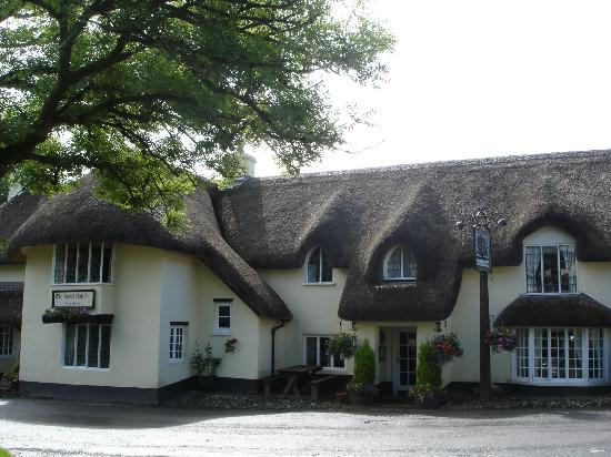 Royal Oak Exmoor: Chocolate box country inn