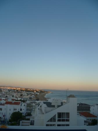 ดา เจล โฮเต็ล: Hotel Views of the Beach