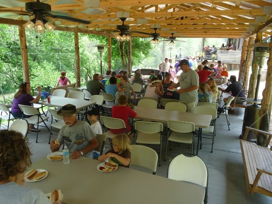 Amis Mill Eatery: Lots of happy people!