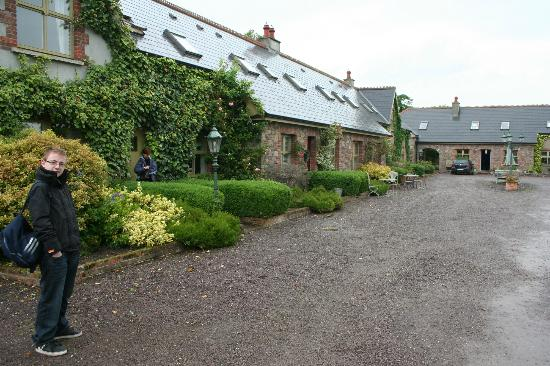 Courtyard Irish Holiday Cottages: View of cottages