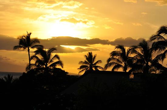 Wailea Ekahi Village: View of the Sunset from Unit 2A