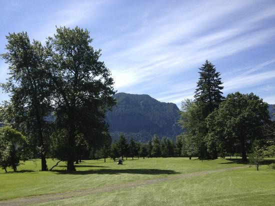 North Bonneville, WA: Beacon Rock golf course view