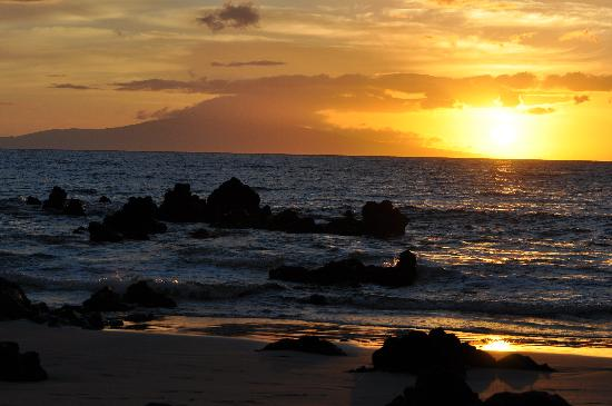 Wailea Beach: Sunset at the Beach