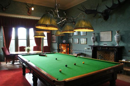 ‪إنفرلوتشي كاسل: billiard room‬