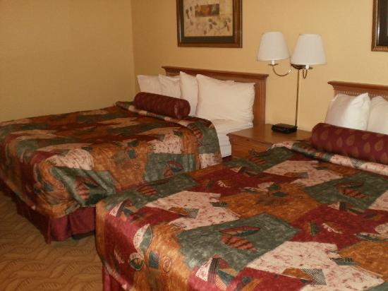 BEST WESTERN Durango Inn & Suites: Suite with 2 queen beds