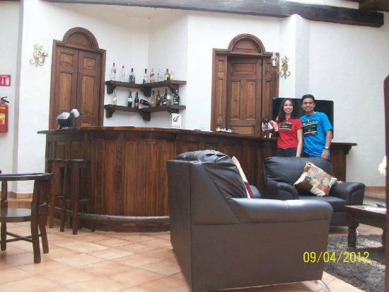 Hotel Casa de Guadalupe: Disfrutando del lobby-bar.