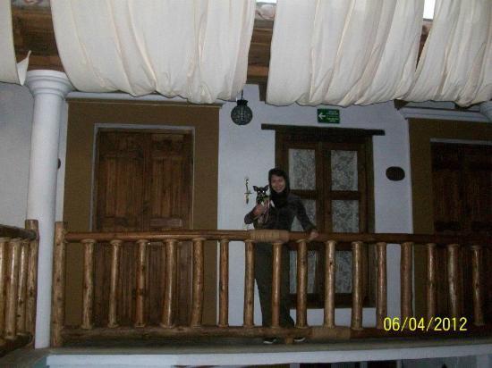 Hotel Casa de Guadalupe: Vista desde afuera de las habitaciones.