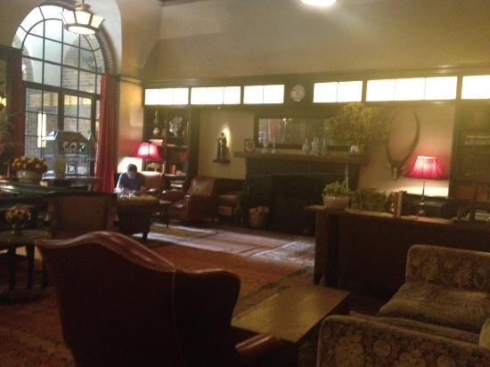 Greenwich Hotel: The drawing room - totally stunning