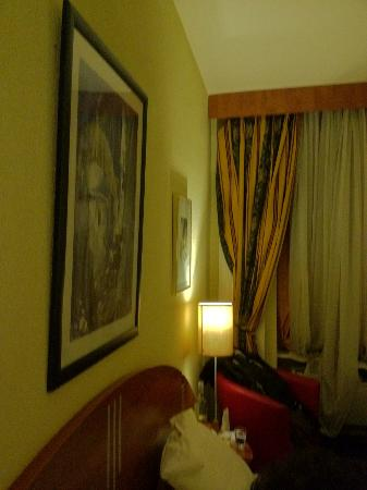 Hotel Admiral Geneva: The room