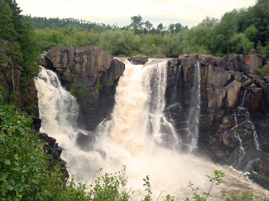 Grand Portage State Forest: Pigeon Falls