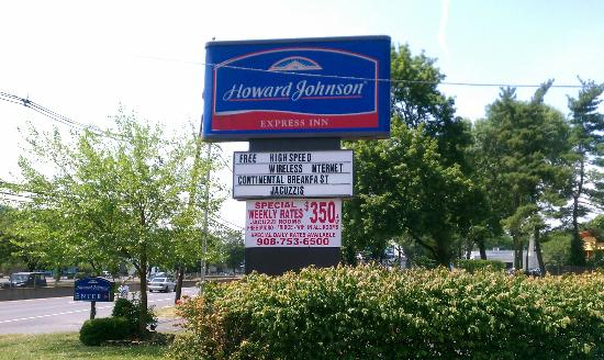 Howard Johnson Express Inn - North Plainfield : There are rooms that have jacuzzis
