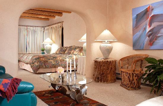 Taos Country Inn: The Alyda