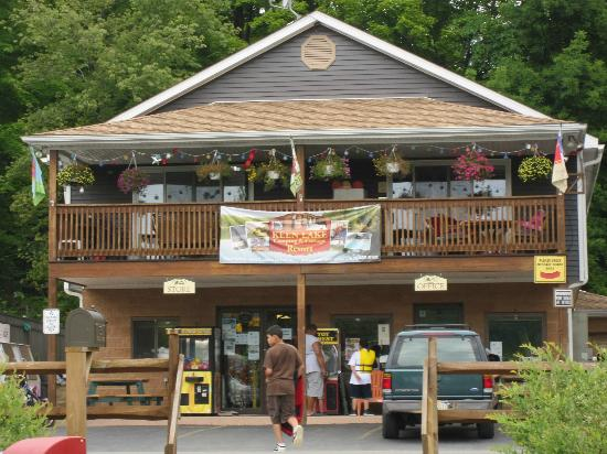 Keen Lake Camping and Cottage Resort: this is the Keen General Store and Office