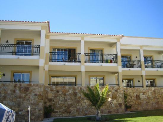 Novochoro Apartamentos Turisticos: Double width balcony accessible from living room & bedroom