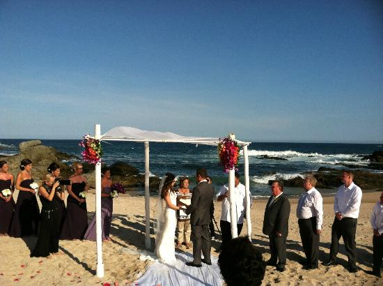 Esperanza - An Auberge Resort: Beach Wedding