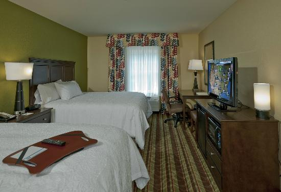 Hampton Inn Augusta: College Teams need space and they can find it here. Perfect for families, too.