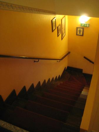 22 Marzo Hotel: the stairs