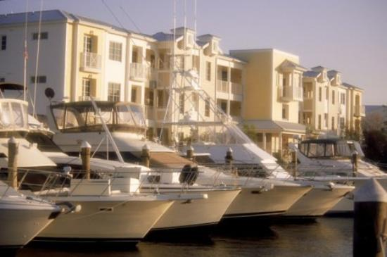 Mariner's Resort Villas & Marina