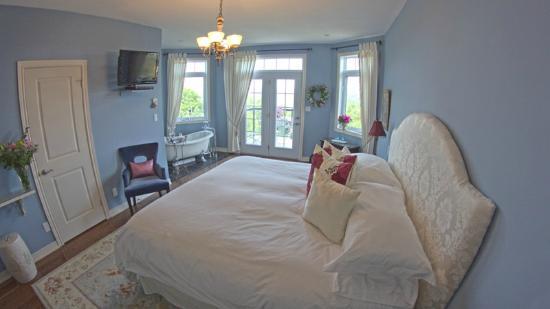 Benaaron Guest House: Sodalite Suite
