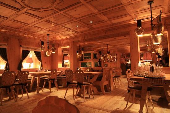 Tannheim, Austria: Die gemütliche Tirolerstube im A`la Carte Restaurant