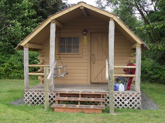 Astoria/Warrenton/Seaside KOA: Cabin from Front
