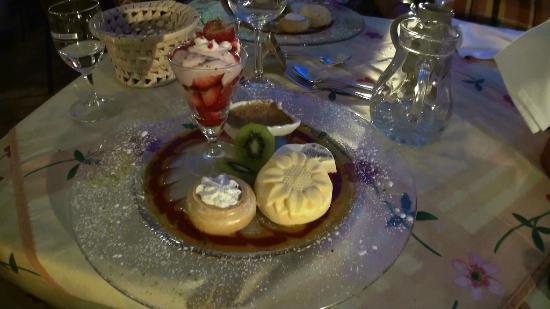 Wellness-Privathotel Post an der Therme: Dessert van het 5-gangen weekmenu.