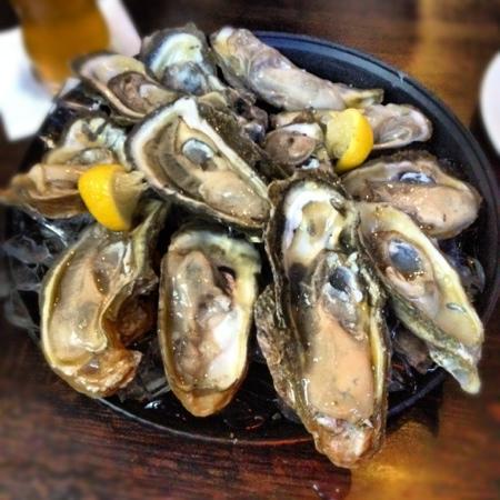 Cityfish: dozen oysters