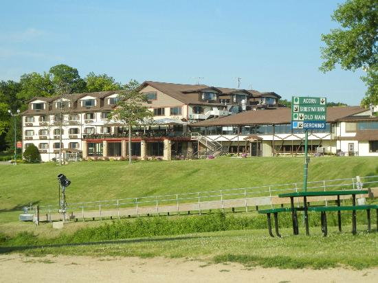 Chestnut Mountain Resort: Hotel