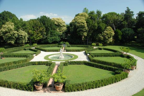 Villa Giona: Klassisk italiensk hage